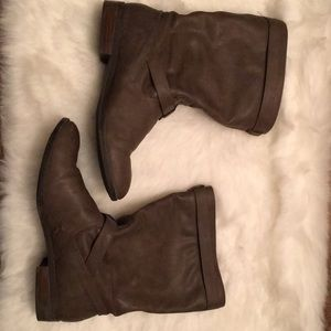 Express Boots 👢Size 10 Very Comfy